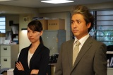 『ハコヅメ〜たたかう!交番女子〜』第9話に出演する戸田恵梨香、ムロツヨシ(C)日本テレビ