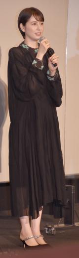 透け感のある黒のロングドレスで登壇した長澤まさみ (C)ORICON NewS inc.