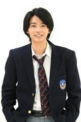 新ドラマ『顔だけ先生』に出演する櫻井海音(C)東海テレビ