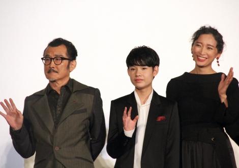 映画『CUBE 一度入ったら、最後』(10月22日公開)完成披露試写会に登壇した(左から)吉田剛太郎、田代輝、杏 (C)ORICON NewS inc.