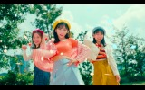 AKB48が出演するABCマートのWEB CM「ニューバランス327 Walking Dance篇」より