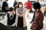 岡田健史もピアノ初挑戦(メイキング写真)(C)2021 映画「そして、バトンは渡された」製作委員会