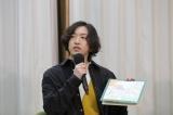 YOASOBIのAyase=「ひろがれ!いろとりどり」テーマソング発表取材会より