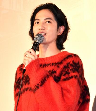 ドキュメンタリー映画『人と仕事』の初日舞台あいさつに出席した志尊淳 (C)ORICON NewS inc.