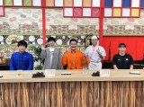 13日放送『あちこちオードリー』に登場する(左から)前田裕太、若林正恭、高岸宏行、春日俊彰、入江聖奈選手(C)テレビ東京